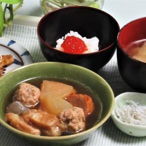 10月16日の母の夕食 海老団子の煮物など