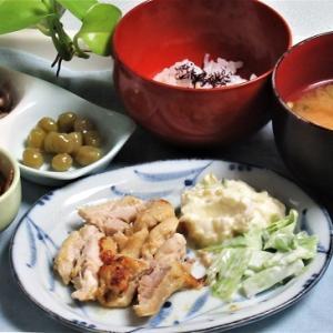 10月25日の母の夕食 タンドリーチキンなど