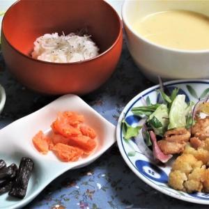2月24日の母の夕食 カリフラワーと鶏の炒めものなど