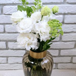 白、好きだな♡【花】と【スニーカー】