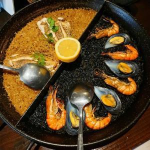 スペイン料理【パブロ】のどぐろとイカスミのパエリア