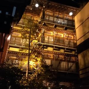 渋温泉で九湯めぐり。千と千尋の舞台のような歴史ある旅館が記念撮影ポイント
