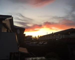 嵐が通った空。台風21号のお土産 R元年10月26日午前5時半頃