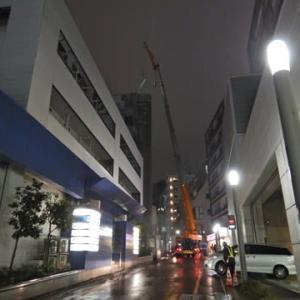建設現場の深夜作業でした。
