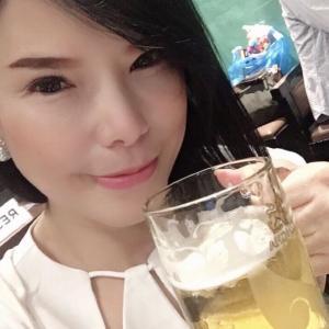 ビール大好きな巨乳なお姉さん
