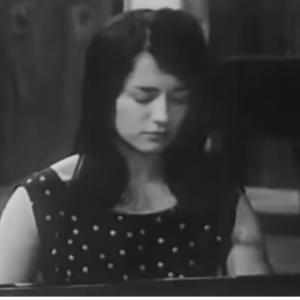 末永くピアノを弾き続けるため無理のない奏法を【アルゲリッチの動画を観て】