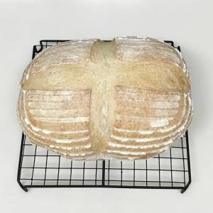 ハーブのある暮らし ラベンダーの酵母のパン