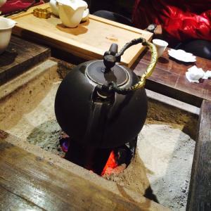 台湾囲炉裏でお茶を頂く♪♪