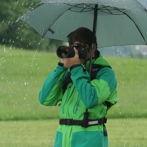 雨の日に一眼レフ撮影をするならこれ一択【ユーロシルム スウィング/ テレスコープ ハンドフリー】