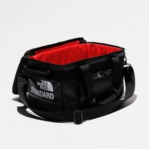 ノースフェイスのレコードバッグをキャンプの小物入れにしている人が増えている