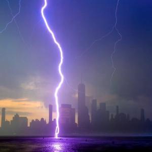 雨に濡れるのが死ぬほど嫌いなオンナ@NY