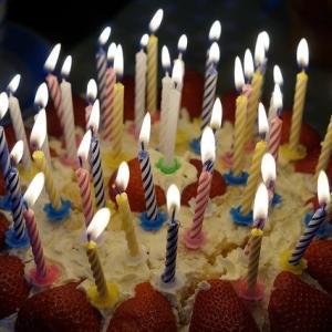 誕生日を祝う習慣の無い家族と結婚すると