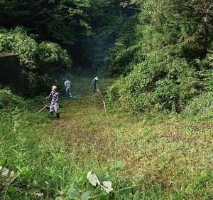 阿岐武神社の掃除