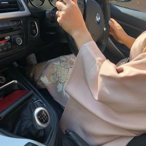 着物を着て、マニュアル車を運転してみた結果、分かったこと。