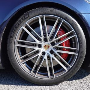クルマのタイヤのパンク対策はあるのか ?