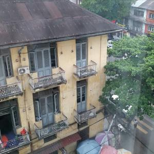 ヤンゴンのホテルへ 女性には言えない♠️