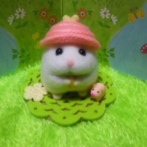 帽子ハムスター白女子