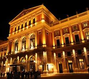 ウィーン・フィルハーモニー管弦楽団で音楽を聴きながら、新しい新年を迎えたい☆