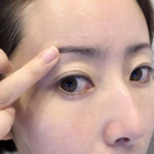 コスメキッチンで人気mmmムー ブロウシェイダーDUO新感覚アイブロウ&眉マスカラで眉毛を描く!