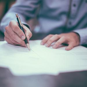 家族信託での必要書類とは?