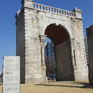 韓国ソウルの独立門に行ってみたよ!!