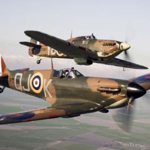 米「B-29!」独「ティーガー!」日「零戦!」 イギリス ← こいつだけ何にもなくね??