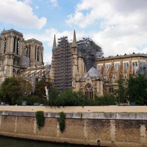 フランス&スペイン旅「ワインとバスクの旅へ!パリで訪れたかった場所へ向かう。火災後のノートルダム大聖堂は、今。」