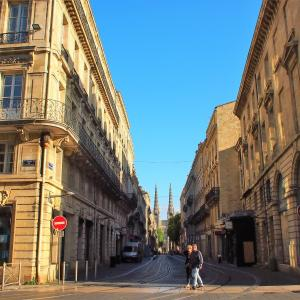 フランス&スペイン旅「ワインとバスクの旅!ボルドーの中心地へ。圧倒されるワインでつくられた黄金の街」