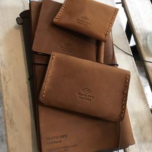 オガさんによるトラベラーズファクトリーの財布紹介