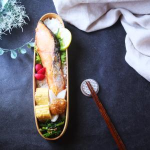 塩鮭と蓮根の胡麻味噌和え弁当!