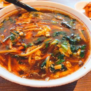 「中華美食屋 山形店」の名物スーラータンメンと麻婆豆腐丼