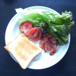 0915朝食:じぶんではさもうBLTサンド/夕食:(家人作)サワラのソテー