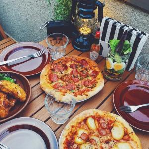 ベランダごはん ピザパーティーで週末ごはん♪