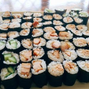 【コロナでも誕生日はやってくる】息子の誕生日に寿司を作る日本人主夫