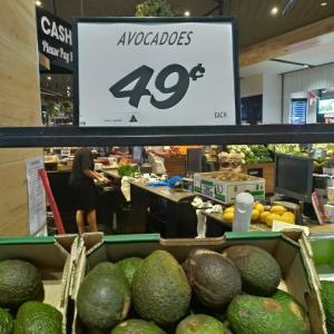 激安49セント(39円) オーストラリアでアボガド突然安くなりましたよね 理由は?