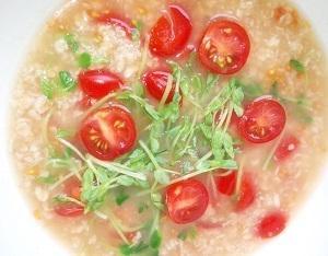 オートミールで免疫力を上げる! コンソメ味のトマトスープ