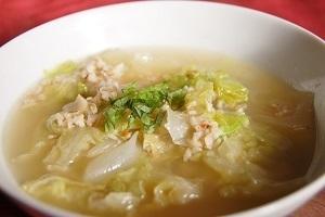 オートミールで免疫力を上げてダイエットも! レタススープ