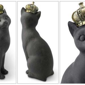 王冠をかぶったお茶目なにゃんこ♪