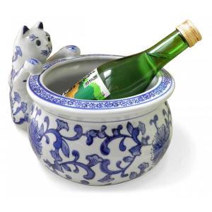 猫が覗き込む姿が可愛い♪金魚鉢やワインクーラーに