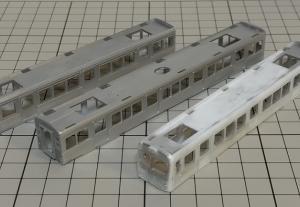 地方私鉄の3両編成のステンレスカーを作る