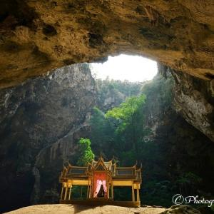 タイ・カオサムローイヨード国立公園内プラヤ―ナコーン洞窟とその周辺/Caves in Sam Roi Yot National Park, Thailand