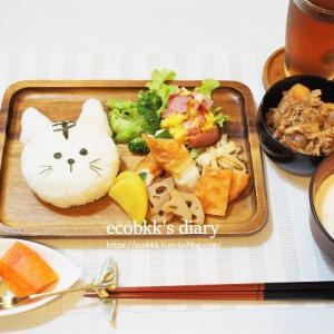 トラ弁当風のお昼ごはんとペンギン弁当/My Homemade Lunch/อาหารเที่ยงที่ทำเอง