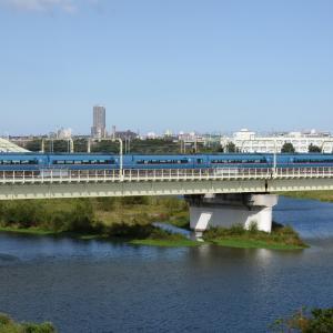 多摩川橋梁のロマンスカー MSE -02