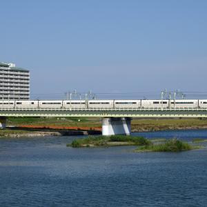 多摩川橋梁のロマンスカー VSE