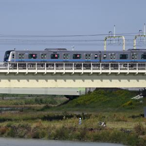 多摩川橋梁の小田急5000形