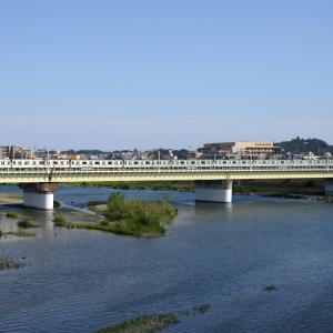 多摩川橋梁の東京メトロ16000系