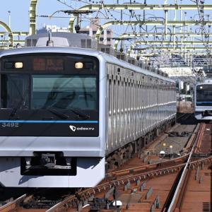 多摩川橋梁を通過する小田急3000形