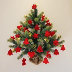 今年も壁掛けクリスマスツリー