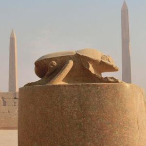 スカラベは古代EGYPTの神なりぬ