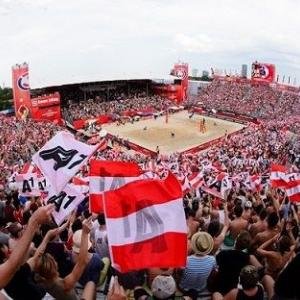 ◆東京五輪で特設コートを満員にしたい! ビーチバレー界が取り組む組織改革 ◆